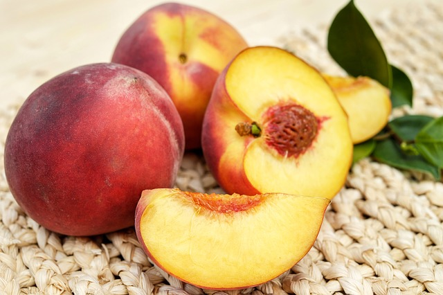 First air freighted Australian honey peaches land in Beijing